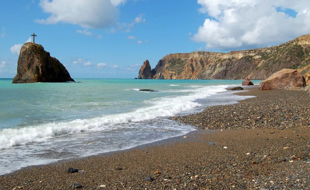 Финишная прямая: пляжи Крыма готовы к летнему сезону на 90%